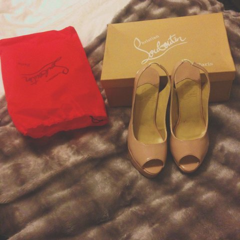 78d9505b0a8b Replica Christian louboutin size 3 would fit size 4!! Nude