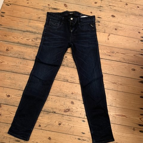 "e2538d48 @andreas1. 6 months ago. Leicester, United Kingdom. Men's replay jeans.  Anbass Size 32"" waist"