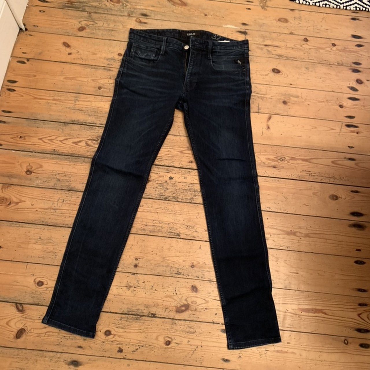 "77e1bffc @andreas1. 6 months ago. Leicester, United Kingdom. Men's replay jeans.  Size 32"" waist"