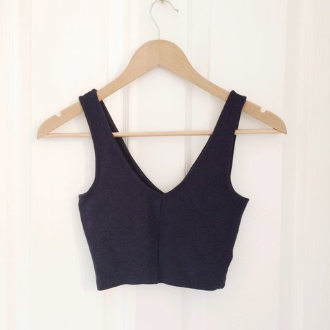 a966f94d0d566 Topshop crop top. Perfect for nights out or casually under a - Depop