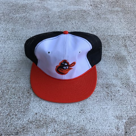 55a949aeda224 Baltimore Orioles Vintage Dead Stock official MLB SnapBack