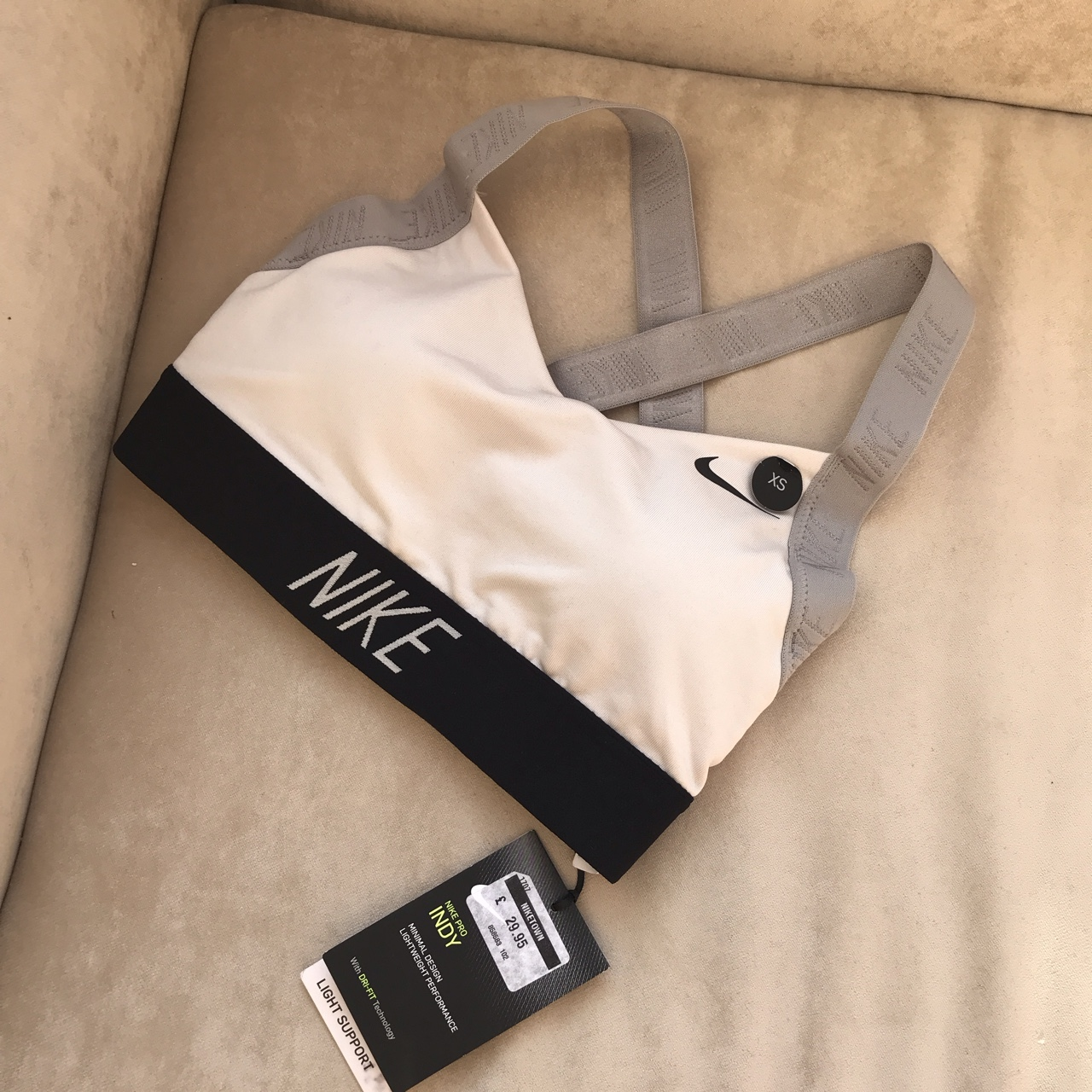 hada Dentro Inmoralidad  Nike Training Pro Indy Logo Back Bra White, grey... - Depop