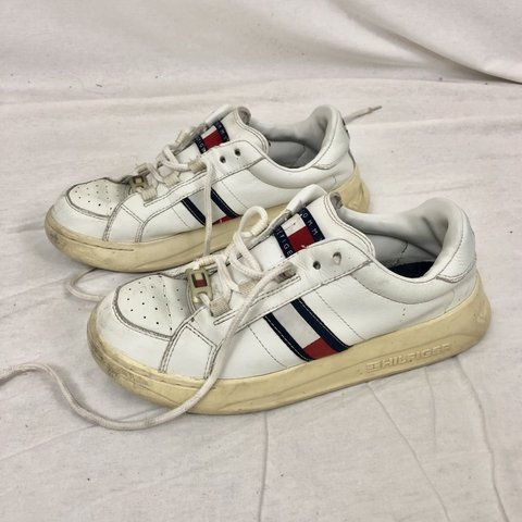 2cce2476 white Tommy Hilfiger platform sneakers has the Tommy logo on - Depop
