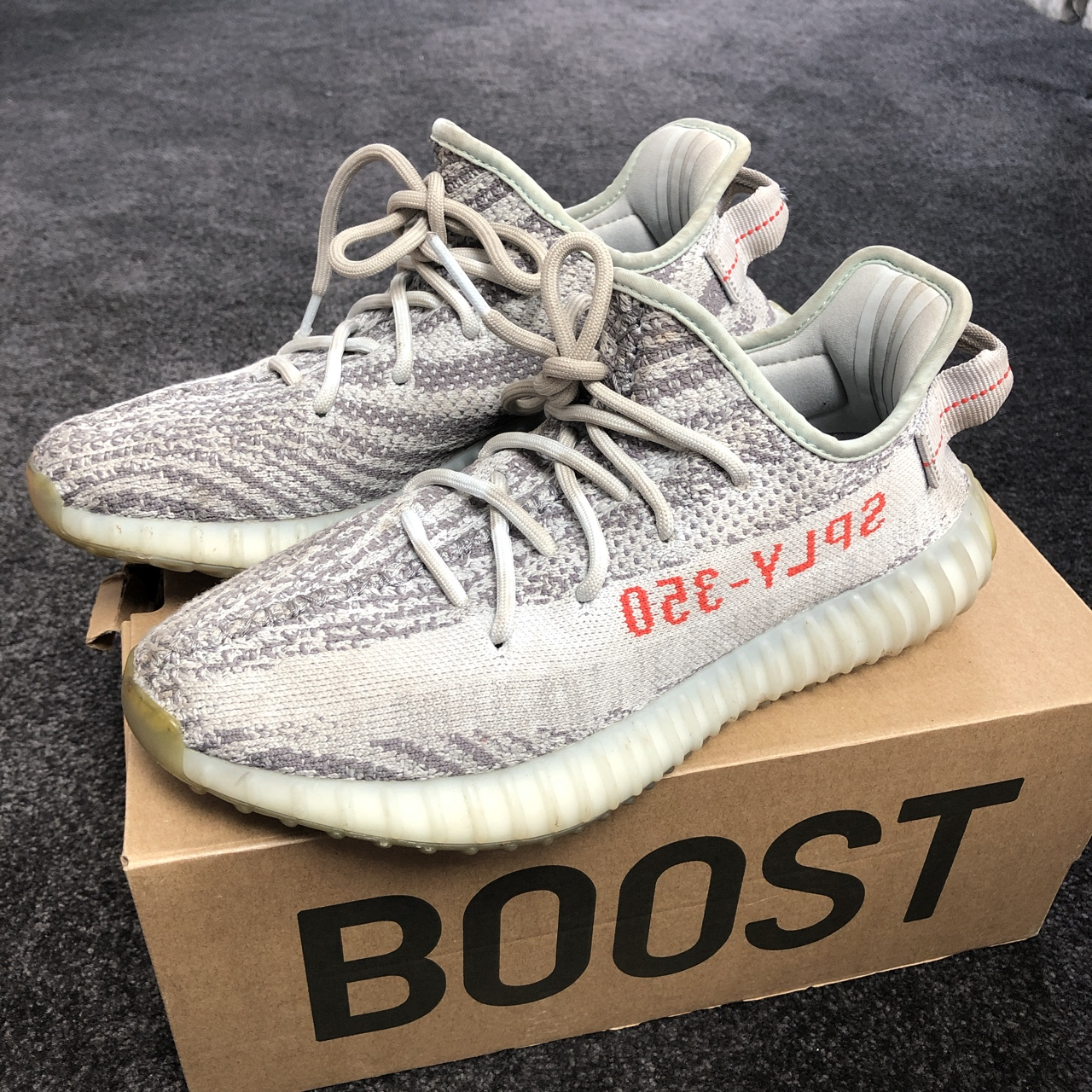 Yeezy 350 blue tint ❄️ Just need to