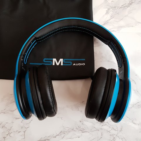 cbdf86c82b8 Sms blue headphones with dustybag and box perfect for a asos - Depop