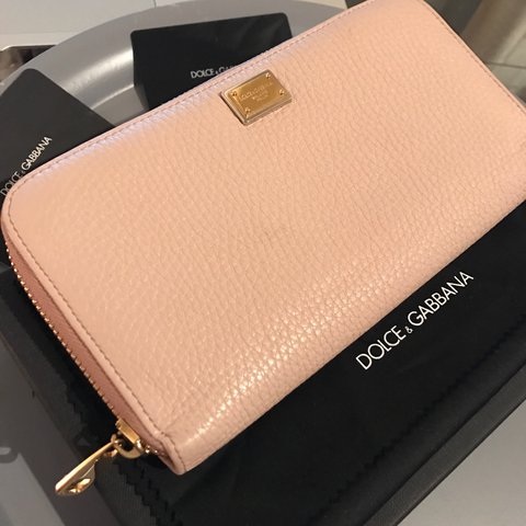 Only Portemonnee.Baby Pink Dolce Gabbana Wallet I Only Used 1 Week Price Depop