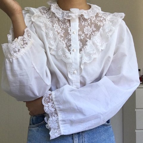 55cb0e6b398ee8 1. 16. VINTAGE LACE BLOUSE Another one! Vintage lace white I - Depop
