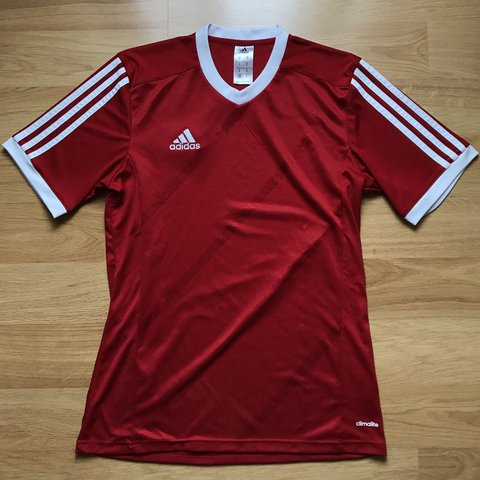 1e2ca98aa Adidas jersey Tshirt Red and white Size: Small 10/10 Dm - Depop