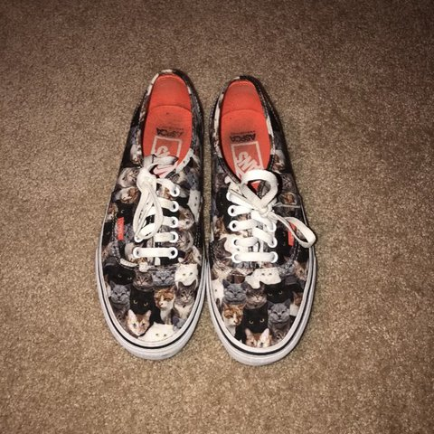427b4ff38869f9 Limited edition Cat Vans Women s size  9