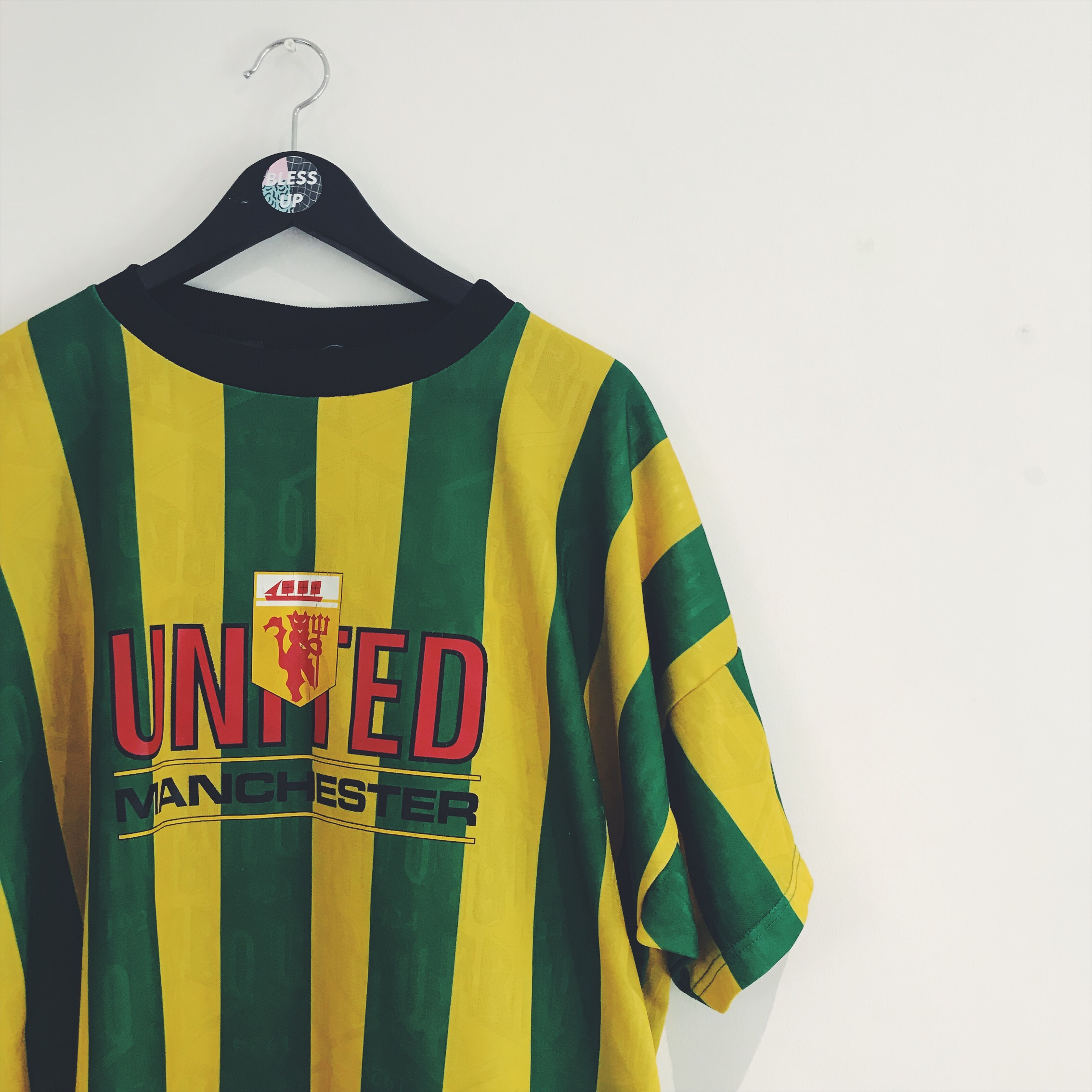 new concept 27704 dd85e VINTAGE WAVY 90S GREEN X YELLOW MANCHESTER ...