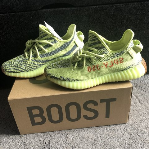 30b32133269 Adidas Yeezy 350 V2 Semi Frozen Yellow Size 6.5uk Brand New - Depop