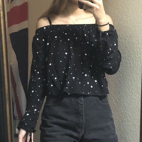 1d5ff8e61325c Star printed off the shoulder top from the Kendall   Kylie - Depop