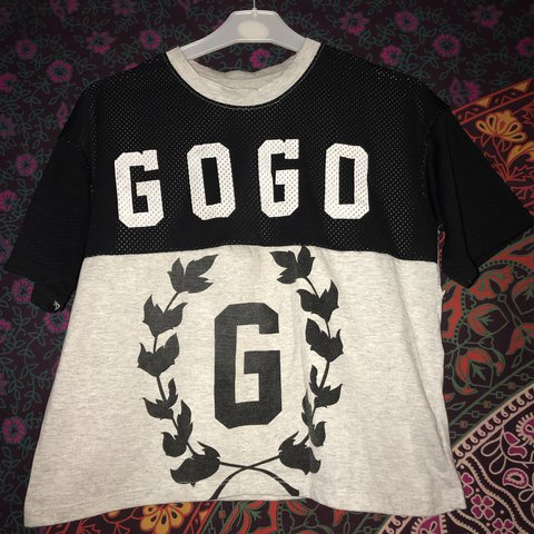 ae60e83f553 Gogo  top Bought in camden Would fit between 6 - 10 £1.20 - Depop