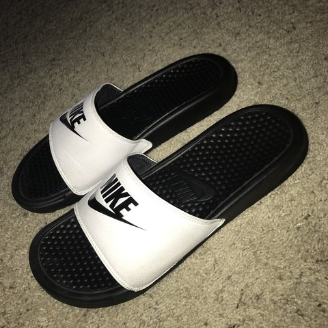 c481a2cbf720 NIKE SLIDES 🤑 great condition and barely worn ) super and - Depop