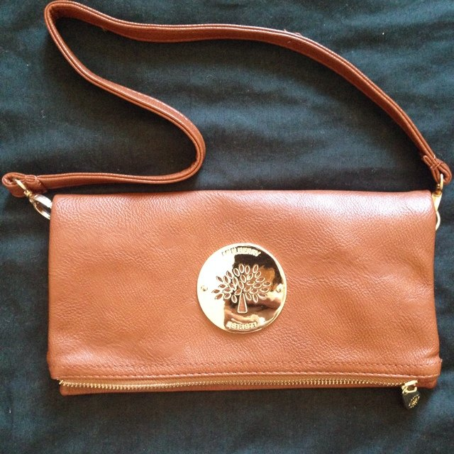 97092ca7a295 Replica of tan mulberry clutch bag never been Used. Bought - Depop