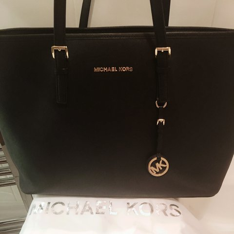 57ea68d2c9bd michaelkors #tote #bag #large #black #designer proved Kors - Depop