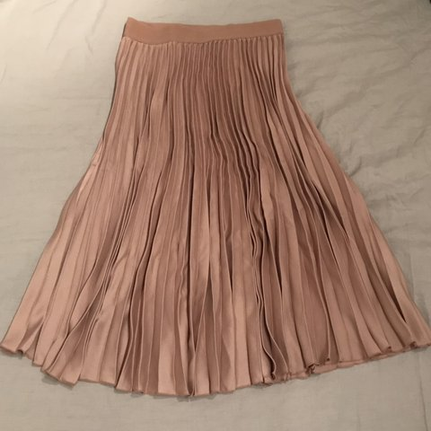 e5e8cd13c4 Rose gold midi pleated skirt. Slight metallic sheen. H&M a - Depop