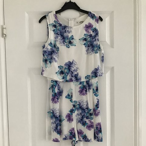 b5ad2dae19 White floral playsuit Purple and blue flower detail Lovely 6 - Depop