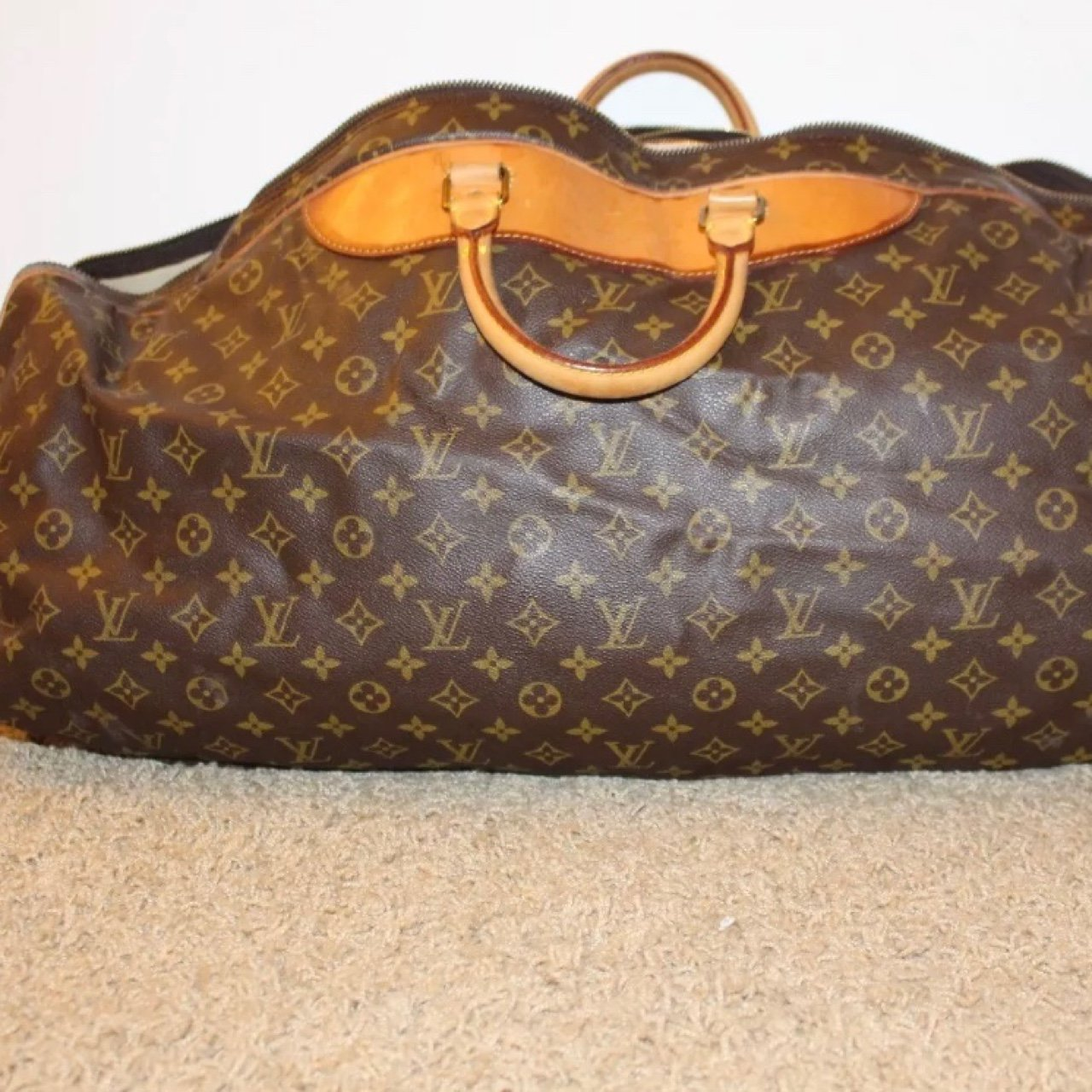 84af9d5ec883 Authentic Louis Vuitton duffle bag Vintage . In great in - Depop