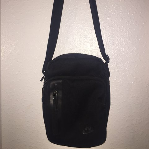 615cb05397 @aimeeebbo. last year. Ashford, United Kingdom. Black Nike man bag. Very  good condition, barely used!!