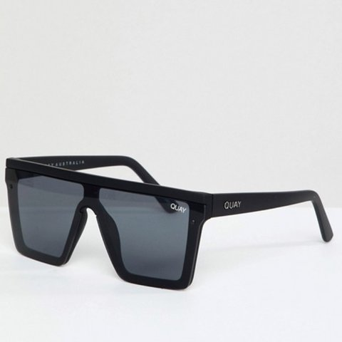 ce4a6ac631 Quay Australia Hindsight square sunglasses in black! Only in - Depop