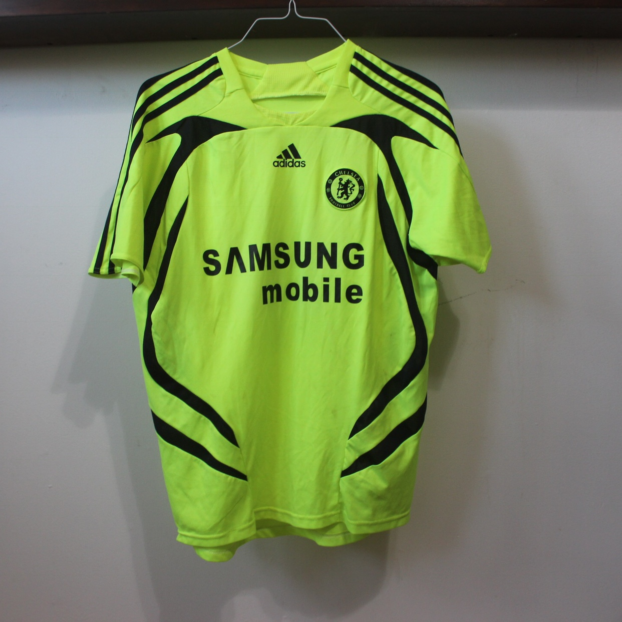 size 40 45bcb 5d86c Chelsea Didier Drogba Jersey Highlighter Yellow An... - Depop
