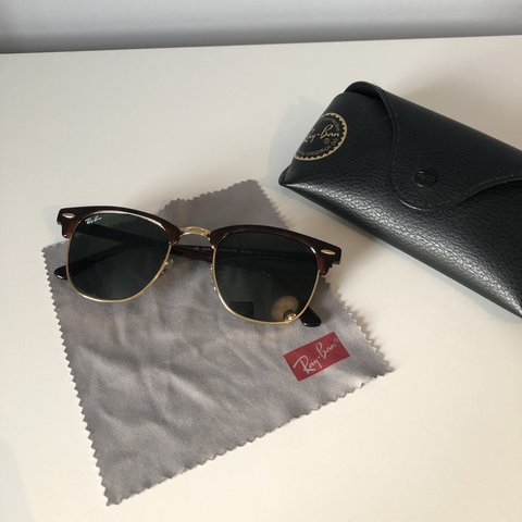 b2e1fadf3e Ray ban clubmaster sunglasses worn once in very good Judge - Depop