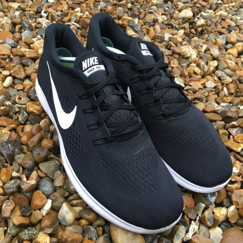 b6f623aec6d8c Nike Free Run Trainers Black Size 10. Trainers are in only a - Depop