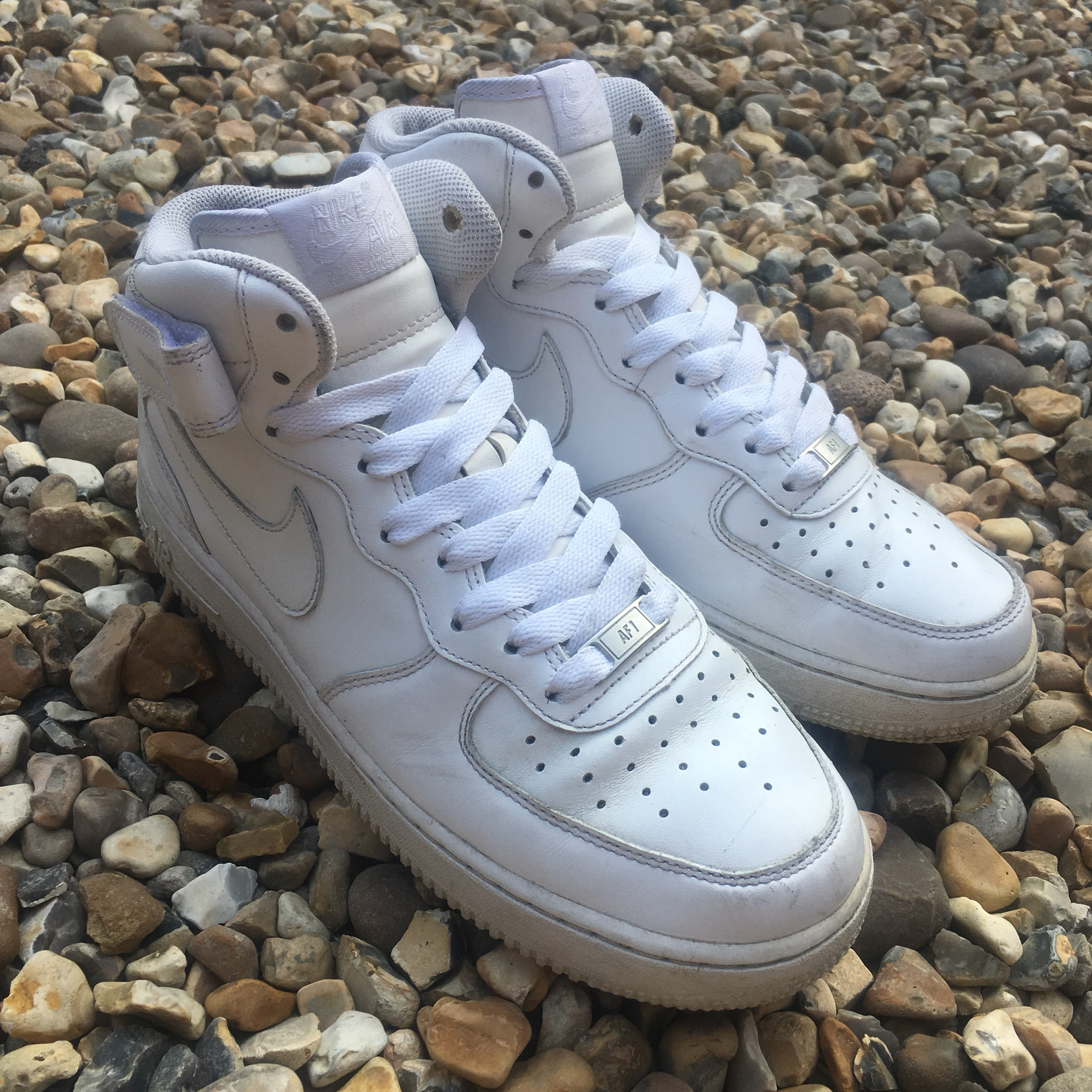 Nike Air Force 1 Mid Triple White Size