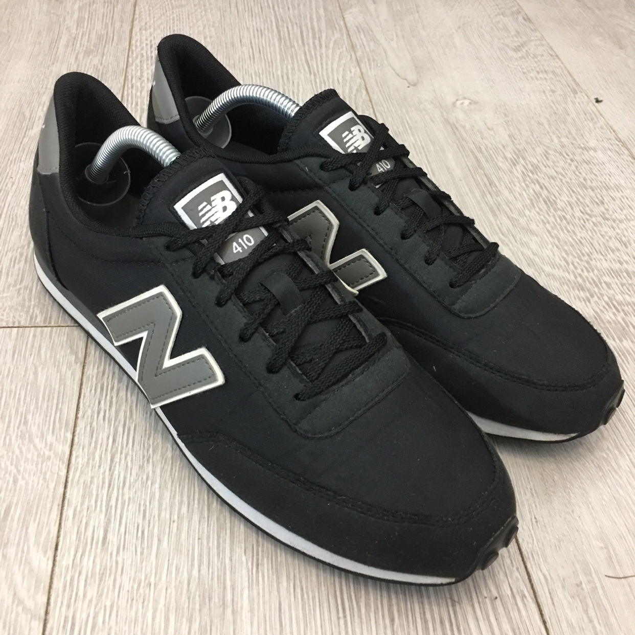 c66076cd4b4 New Balance 410 Black Mens Trainers Size 9.5 EU 44.... - Depop