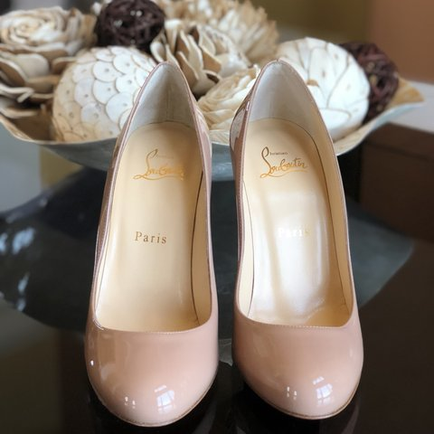 691ede91ec3 NEW Christian Louboutin Fifille Patent Leather Pumps In Nude - Depop
