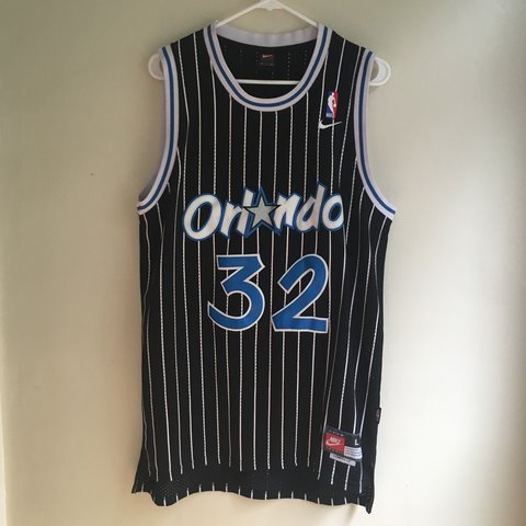 3acbbb15447 SHAQUILLE ONEAL • EMBROIDERED RETRO ORLANDO MAGIC • LARGE • - Depop