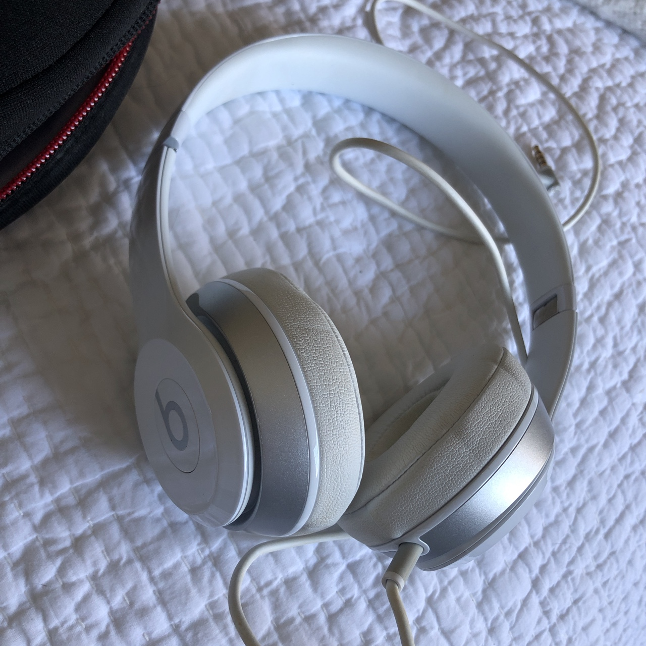 Beats Solo White Wired Headphones Very Good Depop