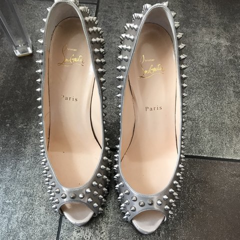 13dd91493555 Christian Louboutin spiked metallic leather pumps New never - Depop