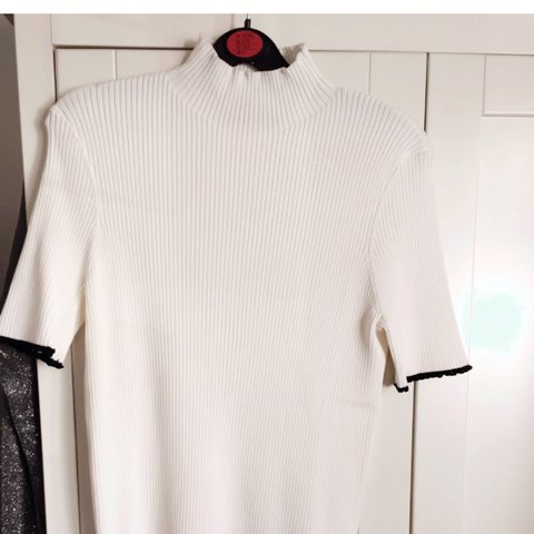 dbb599c9aa1 Zara knit, never been worn, it's in perfect condition! with - Depop