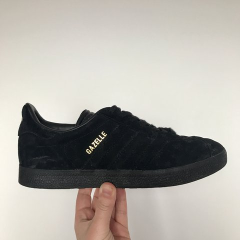 01b2eb584dca5 EXCLUSIVE Original Adidas Gazelle Black Gold