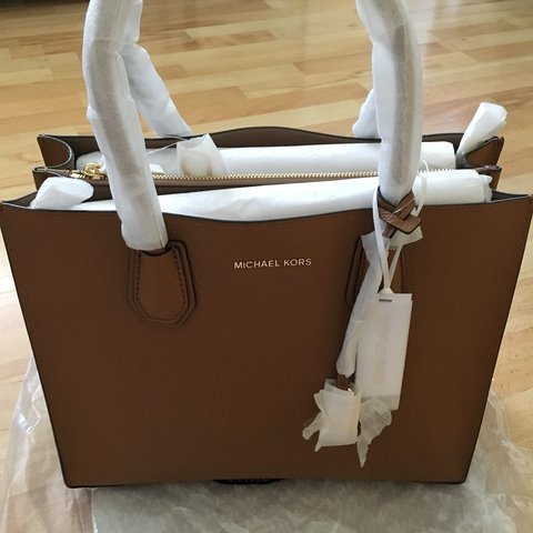 56227a9a6092 Michael Kors Mercer Large Leather Tote Crafted from pebbled - Depop