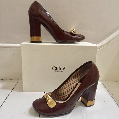 8076b5e8227 Used CHLOÉ 70s style block pump high heels. Brown patent and - Depop