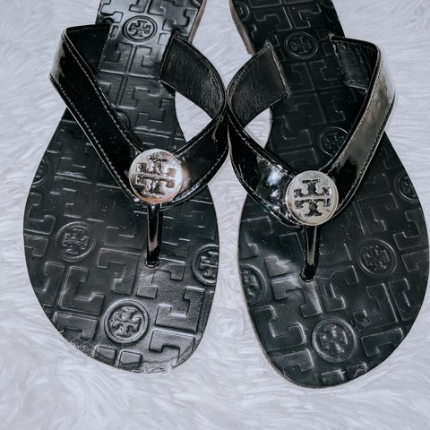 1e8f52f6b Tory burch Size 7M Black and silver Monroe sandals Very a - Depop