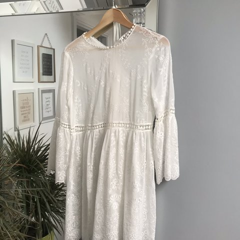 898acff6618f Zara embroidered lace dress white cream off white Worn once - Depop