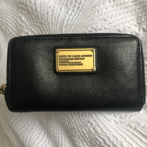 9e742fc3a56b1 @christinecac. yesterday. Toronto, Canada. Marc Jacobs leather wristlet  wallet ✨