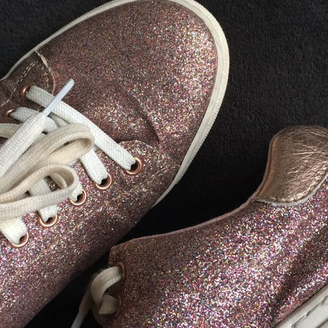 1b5b618a3c1003 Pink glitter trainers size 6 but will fit a 5✨ In perfect a - Depop