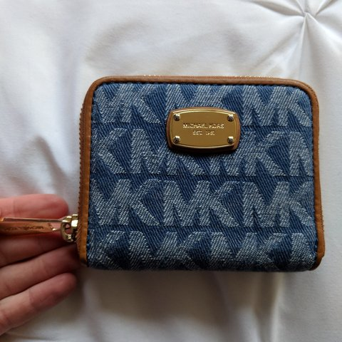 125e118c738372 @zach_5545. 25 days ago. Gaithersburg, Montgomery County, United States. Denim  Michael Kors Wallet. Super adorable and compact! Has 4 ...