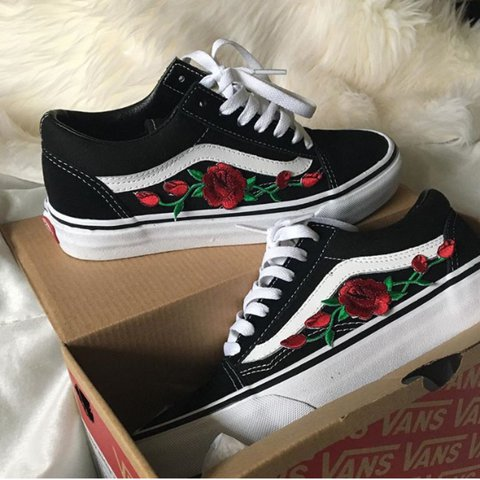 418e6d36846f22 Selling these custom flower embroidered vans