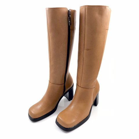 fc4f8b321 90 s rare TOMMY HILFIGER camel leather knee high chunky toe - Depop