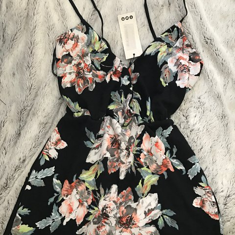 21841011e2 Brand new playsuit from boohoo