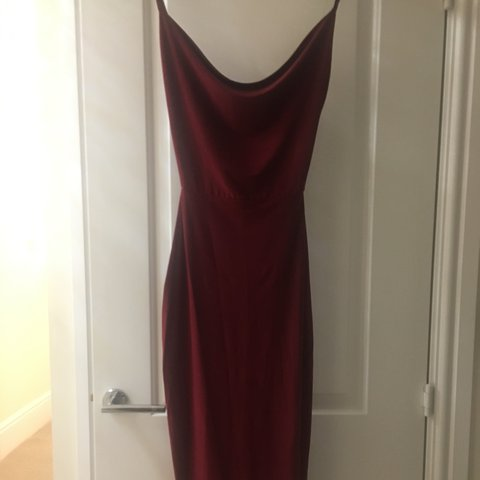 139ed99ae800 @chessijohnson. 2 years ago. Clayton-le-Woods, United Kingdom. Boohoo  Burgundy Silky Midi dress. Size 6/8. Worn once, perfect condition.