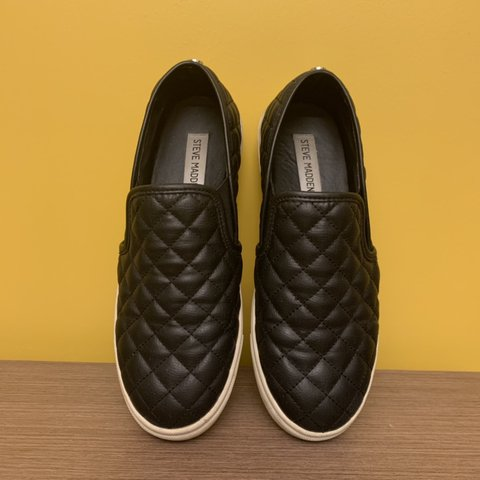 d372e6686c40 STEVE MADDEN ECENTRCQ slip-on sneakers in the color 7/10 due - Depop