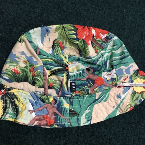 983bf0eca08a4c HUF floral/Hawaiian bucket hat. Size small/medium. Never new - Depop