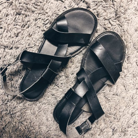 d2efdac5e2b American Eagle Black Sandals in excellent used Condition. 8! - Depop